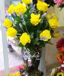 hoa hong vang cao su