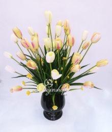 Bình hoa Tulip nhỏ